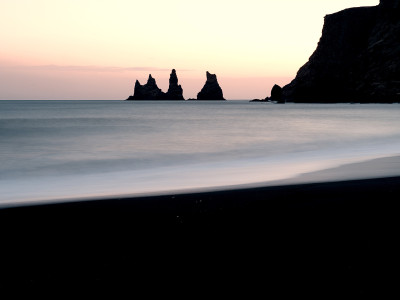 Trolls and a Ship – Reynisdrangar 1/2