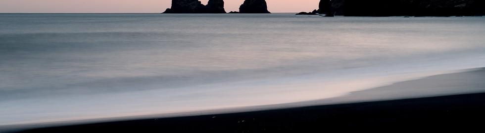 Trolls and a Ship – Reynisdrangar 1/2