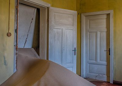 XSMP_20130929_7196_Yellow_Room_Kolmanskop